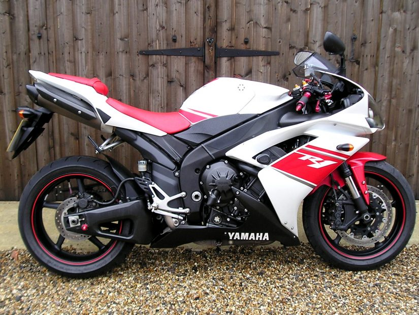 sold yamaha yzf r1 4c8 2 owners 10000 miles yamaha dealer rh sargentsofsussex co uk 2011 r1 owner's manual 2011 r1 owner's manual