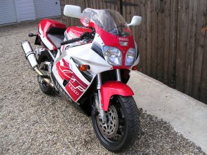 The Yamaha YZF750 SP took Niall Mackenzie to three BSB titles in '96, 97 and 98...............