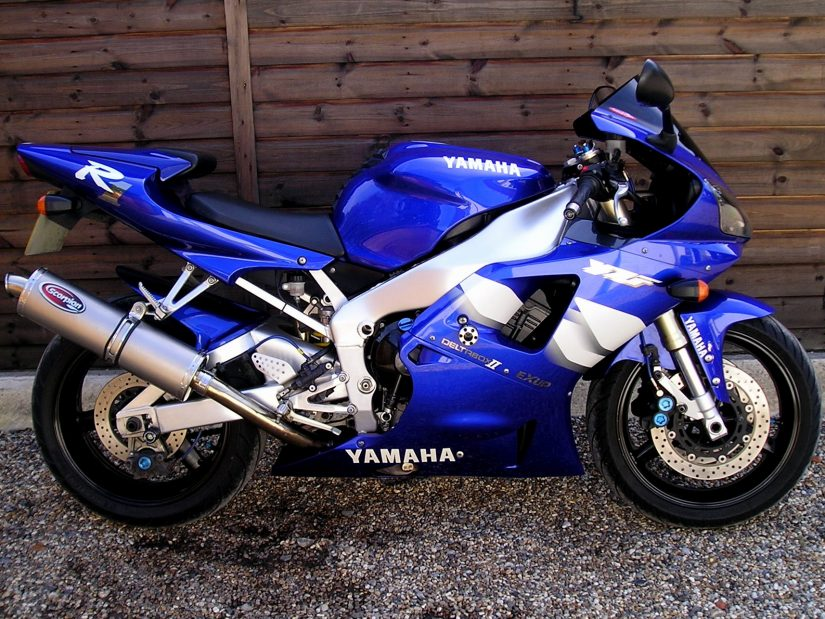 sold yamaha yzf r1 5jj exceptional bike with nice. Black Bedroom Furniture Sets. Home Design Ideas