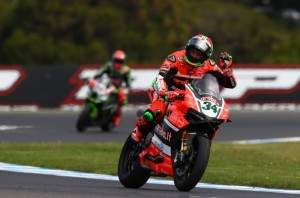 Davide Guigliano narrowly beat Nicky Hayden in to 3rd place in Race 2